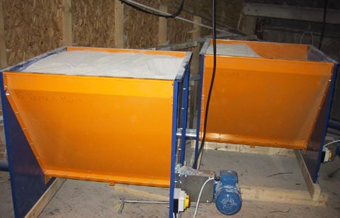 400 litre hoppers with flex auger outlet