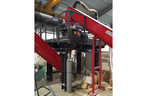 Augers feed and taking away from mill