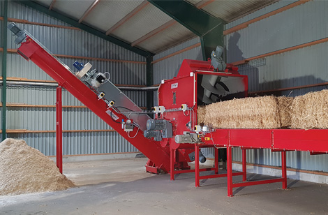 SBB1400 shredder with bale opener, mill, filter & auger